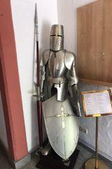 Eine ausgestellte Ritterrüstung