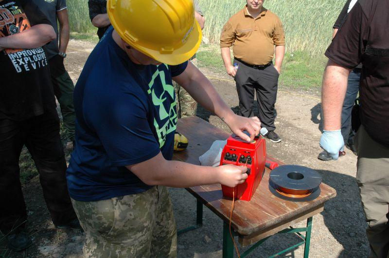 vorbereitung-zur-elektrischen-zuendung