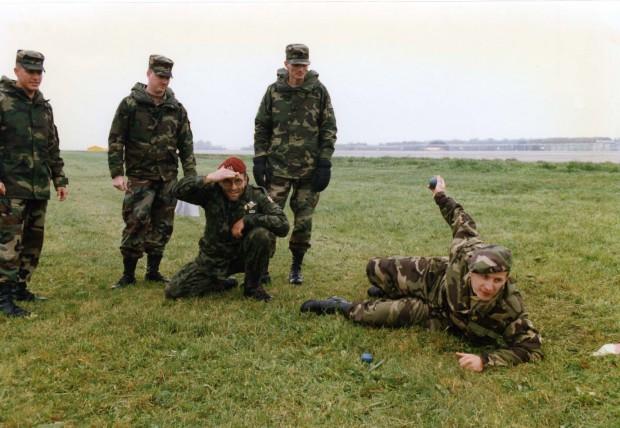 das-us-army-grenade-badge