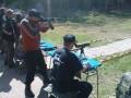 Anton beim Schießen
