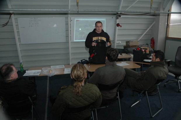 theoretischer-unterricht-mit-sprunglehrer