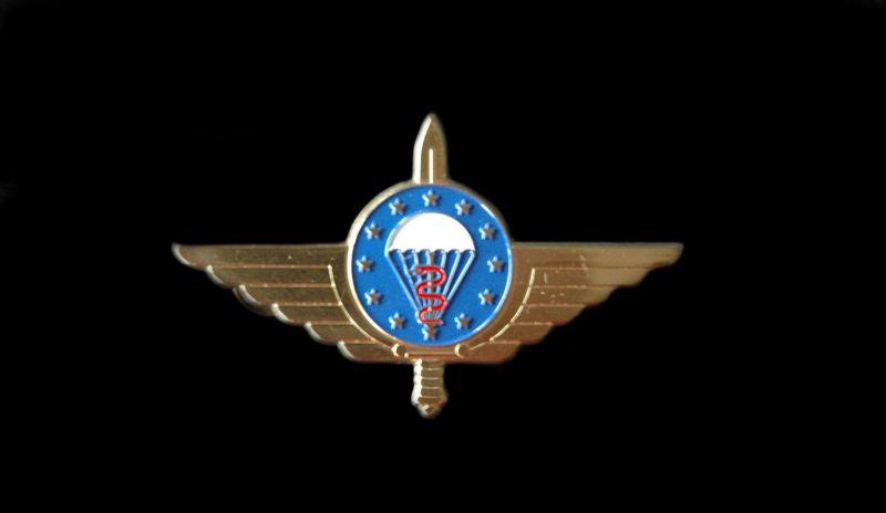 das-emfv-militaer-sanitaets-fallschirmsprungabzeich