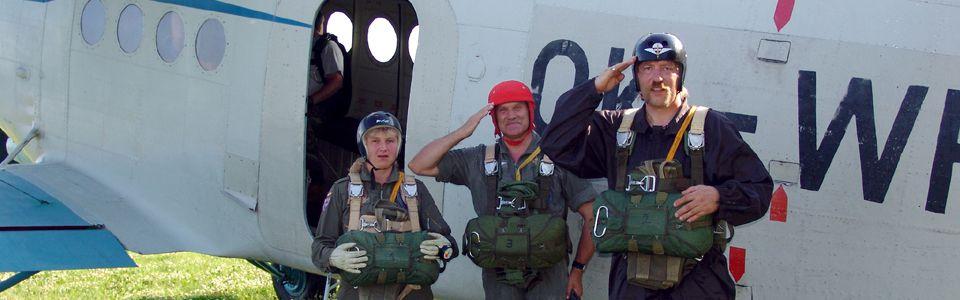 Beim Europäischen Militär- Fallschirmsprungverband