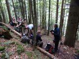 Kurze Rast im Bergwald