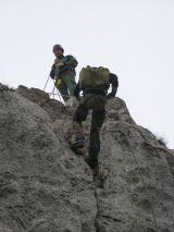 Abseilen mit Rucksack und Sicherung
