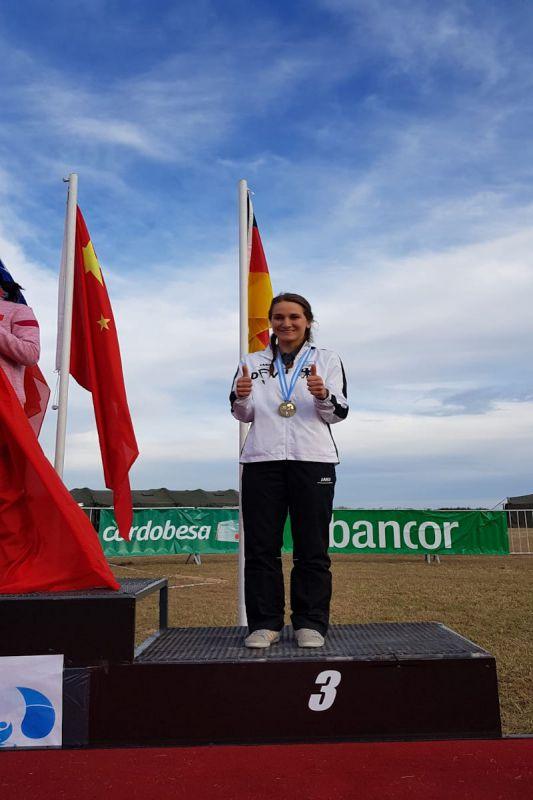 tatjana-mit-der-bronzemedaille